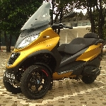 Uji Coba Vespa MP3 500 HPE Sport Advanced, Three Wheelers Canggih di Kelasnya