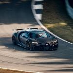 Intip Hypercar Bugatti Chiron Pur Sport Melenggang di Bilster Berg