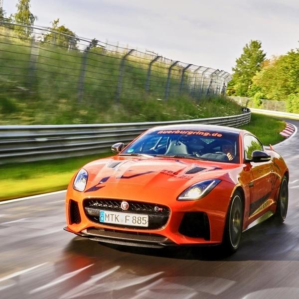 Rasakan Amukan Jaguar F-Type SVR di Nurburgring