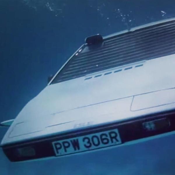 Akankah Tesla Produksi Mobil Kapal Selam?
