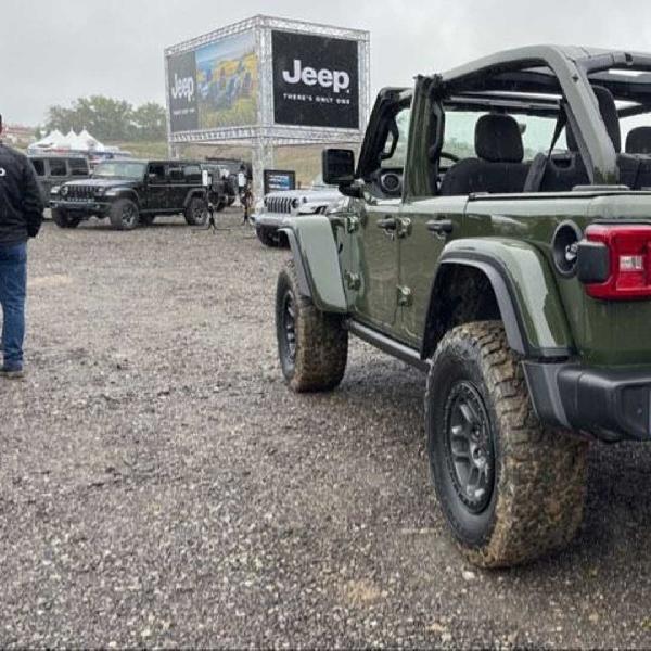 Jeep Ungkap Wrangler Unlimited Willys Xtreme Recon Bergaya Tentara