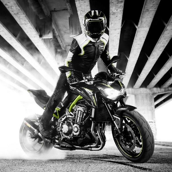 Kawasaki Z900 Naked Bike Baru 4 Silinder