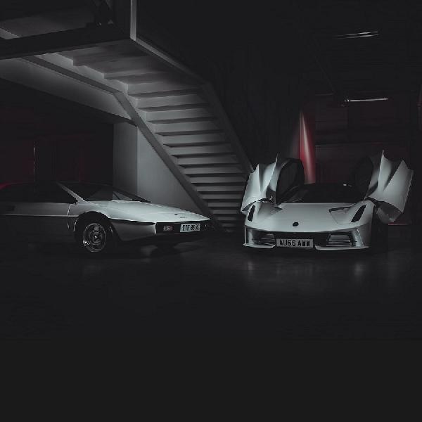Kenang Film Bond 43 Tahun Lalu, Lotus Evija Tampil Bersanding Esprit S1