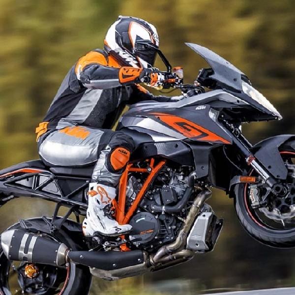 KTM 1290 Super Duke GT Siap Tantang BMW dan Ducati