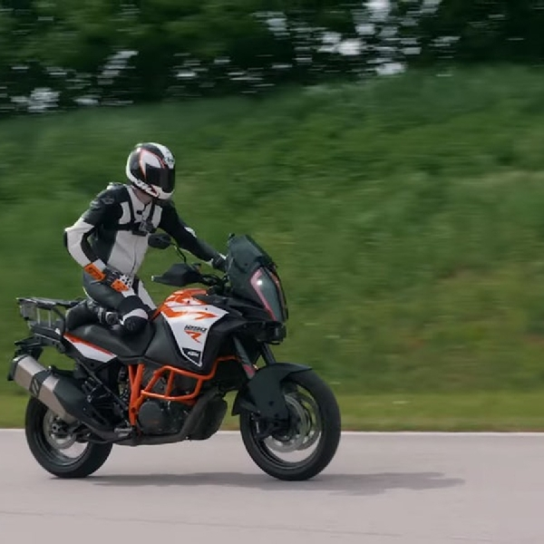 KTM Kembangkan Teknologi New Adaptive cruise dan Blind Sport Warning