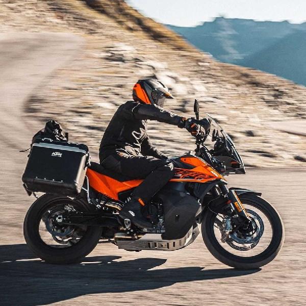 KTM Kasih Sentuhan Baru untuk Keluarga 890 Adventure 2021