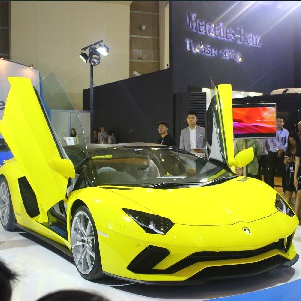 Lamborghini Aventador S Roadster Menyapa Indonesia