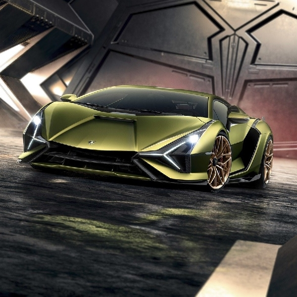 Lamborghini Bersiap Meluncurkan Supercar Hybrid Roadster 809-HP