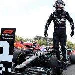 """F1: Cetak Rekor Baru, Lewis Hamilton: """"Saya Belum Selesai"""""""