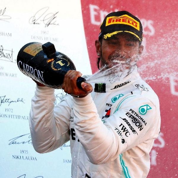 Lewis Hamilton Dedikasikan Kemenangan di GP Spanyol Untuk Penggemarnya
