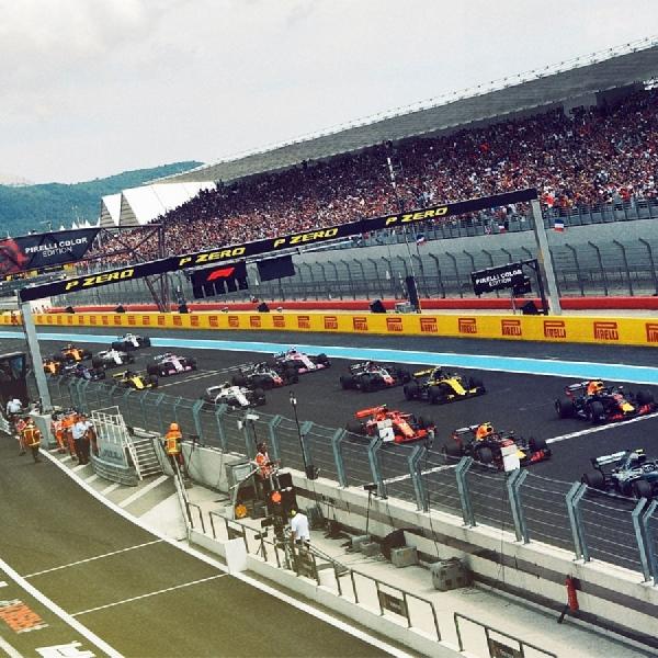 Lewis Hamilton: Jangan Salahkan Kami Jika Balapannya Membosankan