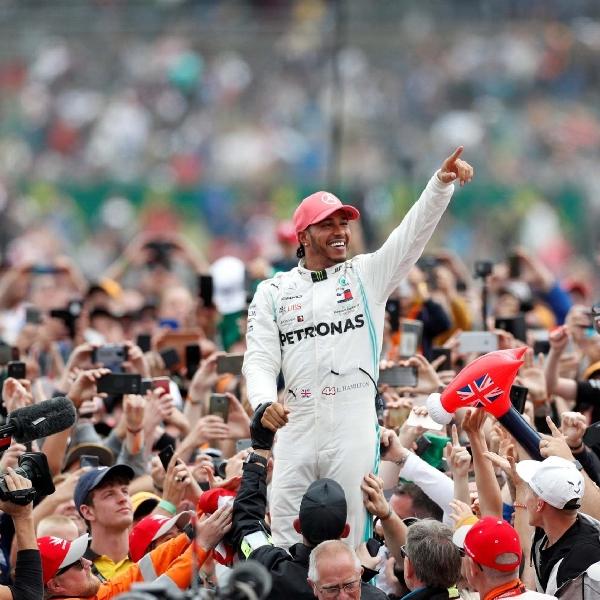 F1: Lewis Hamilton Masuk Dalam Daftar Queen's New Years Honours
