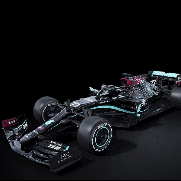 F1: Lewis Hamilton Puji 'Pesan Terselubung' di Mobil Baru Mercedes