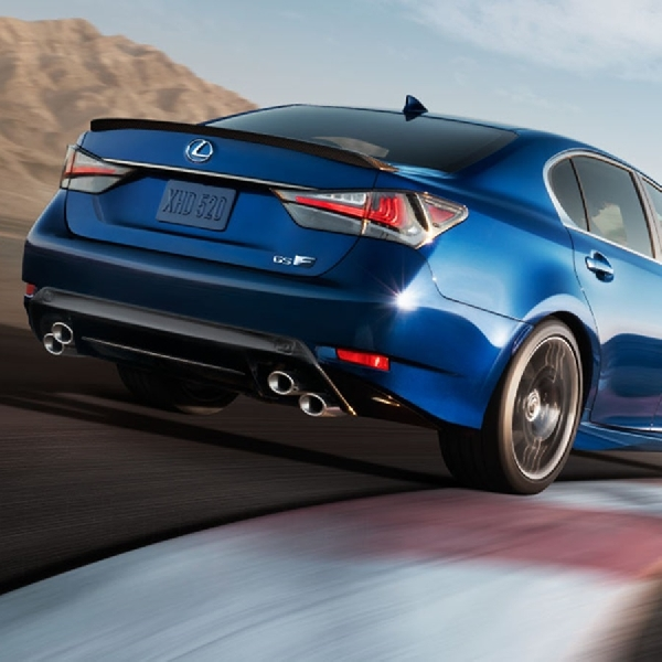 Lexus Berencana Membuat Kendaraan Hybrid
