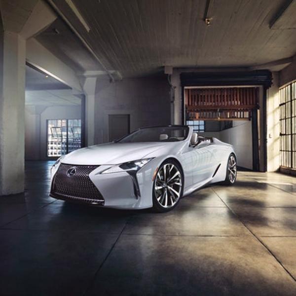 Lexus Pamerkan Keindahan LC Coupe Convertible ke Geneva Motor Show