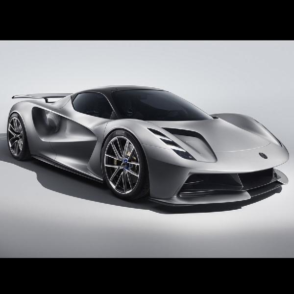 Lotus Evija 2000 hp, Diujicobakan Alexandra Hirschi