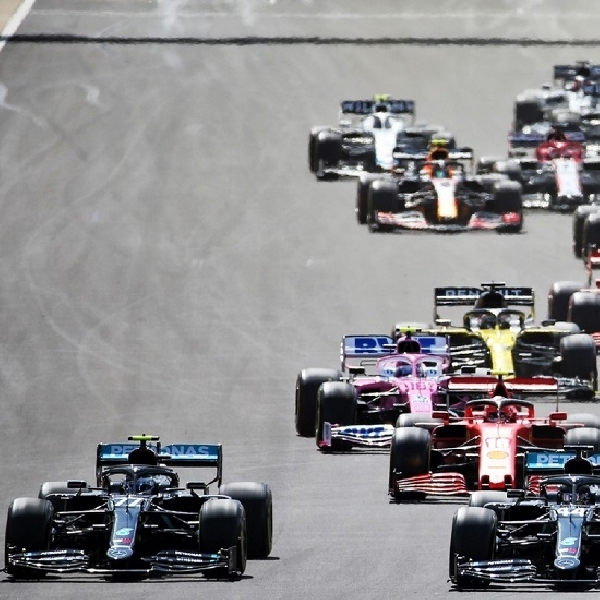 Luar Biasa, Hamilton Menangkan Grand Prix F1 Inggris Dengan Kondisi 'Pincang'