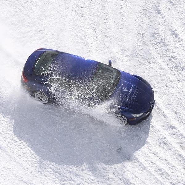 Maserati Buka Kursus Mengemudi di Atas Pegunungan Salju Paling Ekstrim