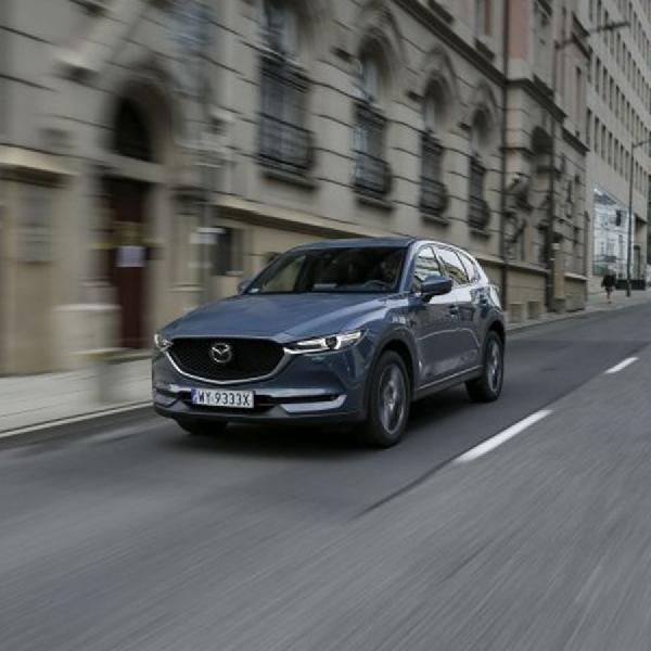 Tiga Varian Mazda Kini Tersedia dalam Edisi Karbon