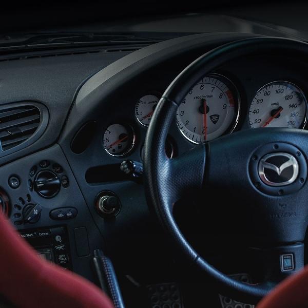 Mazda Produksi Kembali Suku Cadang RX-7 Klasik