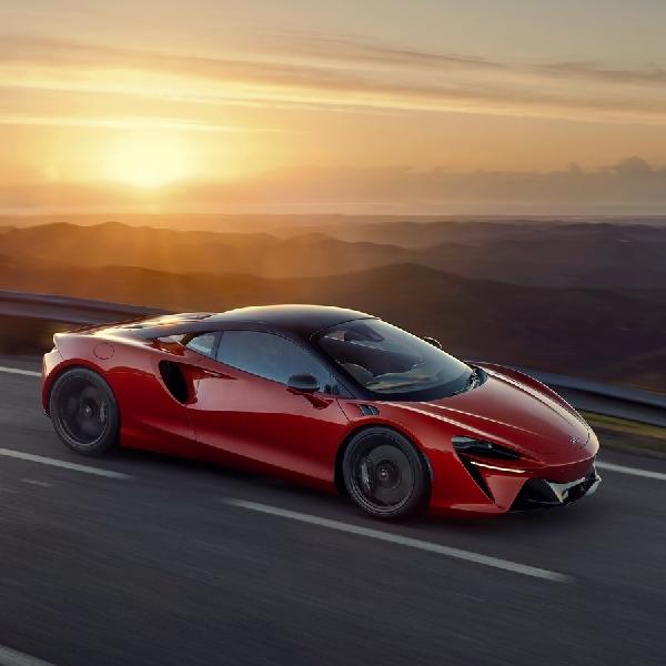 McLaren Artura Catat Waktu 3 Detik Untuk Mencapai 100 Km