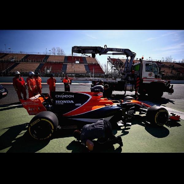 F1: Mercedes Tutup Mulut Terkait Masalah Mclaren dengan Honda