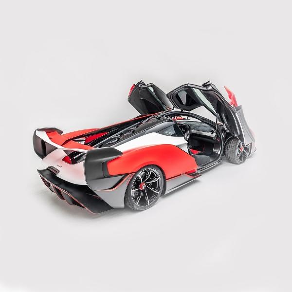 McLaren Sabre Awali Debutnya Dengan 824 Hp