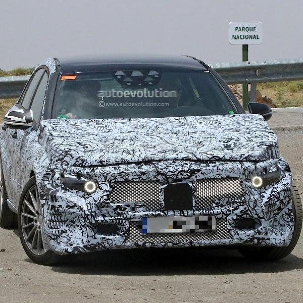 Mercedes-Benz A-Class 2018 akan lebih besar & Semi-Autonomous