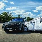 Mercedes-Benz S-Class Tetapkan Standar Baru Kemewahan Otomotif