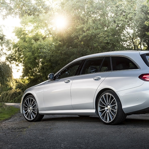 Mercedes-Benz Sematkan 4MATIC pada E-Class