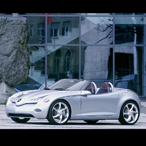 Generations A-Class Menjadi Penerus Mercedes Benz SLA Roadster
