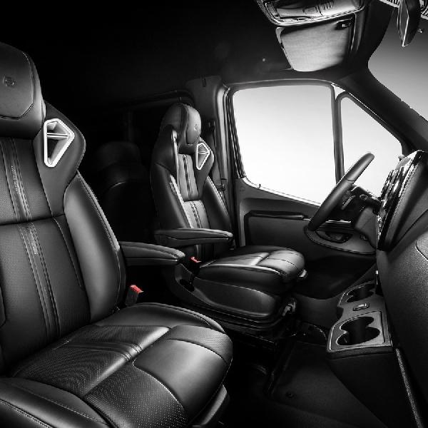 Mercedes-Benz Sprinter, Mobil Keluarga Lebih Baik Dari SUV Besar?