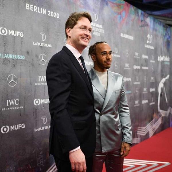 F1: Mercedes Pertahankan Relevansi Formula 1 Dengan Industri Otomotif