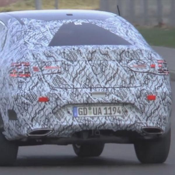 Mercedes Siapkan GLC Coupe Untuk Tantang BMW X4