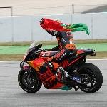 Gagalkan Podium Quartararo, Oliveira Naik Podium Kedua di MotoGP Catalunya