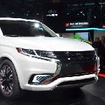 Mitsubishi Outlander Hybrid Bakal Diluncurkan di Amerika Serikat