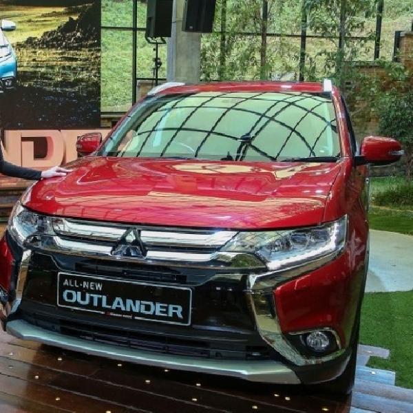 Mitsubishi Outlander Sudah Mendarat di Malaysia