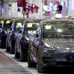 Mobil Tesla Seharga 25000 US Dollar Akan Dijual Secara Global?