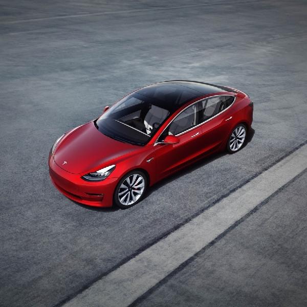 Kursi Baru di Model 3 Tesla
