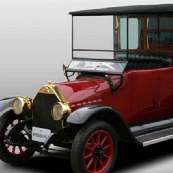 West Coast Customs Rakit Ulang Model Pertama Mitsubishi