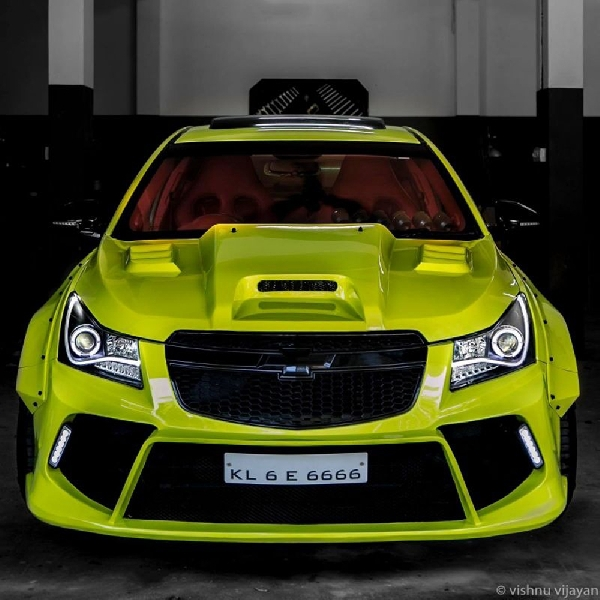 Modifikasi Chevrolet Cruze - HyperWide