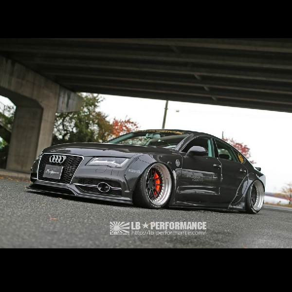 Modifikasi Audi A7 - Hasil Sentuhan Liberty Walk