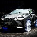 Modifikasi Lexus NX Pakai Roda dari Pahatan Es