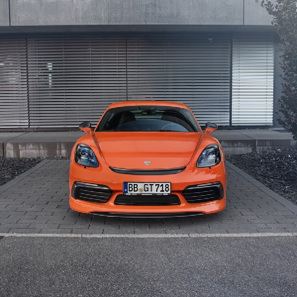 Modifikasi Porsche 718 Boxster: Sporty dan Lebih Bertenaga
