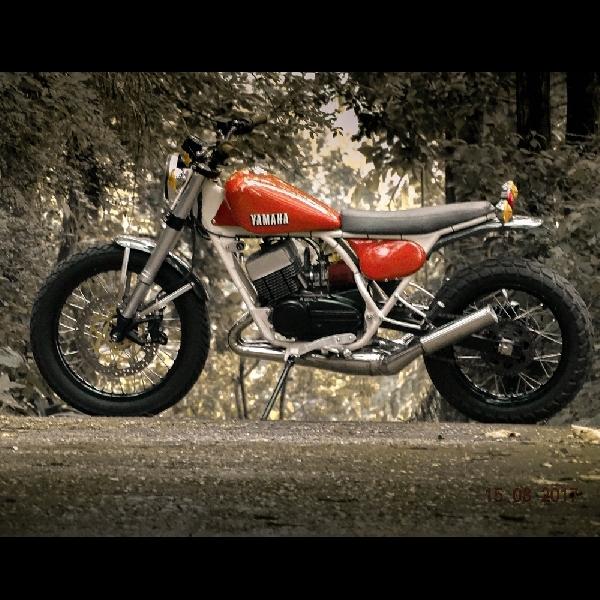 Modifikasi Yamaha RD350: Scrambler Berparas Gahar