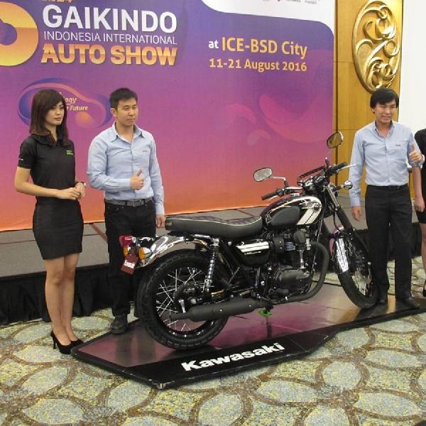 Motor Klasik Kawasaki W800 Meluncur di GIIAS 2016