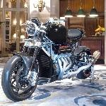 Sepeda Motor Ringan V8 Eisenberg Bertenaga 500 kuda