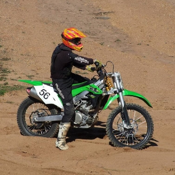 Ahli Suspensi Australia Rancang Sepeda Motor Trail Hybrid, Suspensi Ganda
