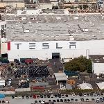 Pabrik Tesla Freemont Kembali Dibuka