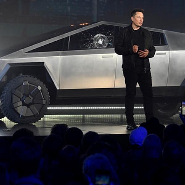 Belum Dijual, Tesla Cybertruck Terima Fitur Baru